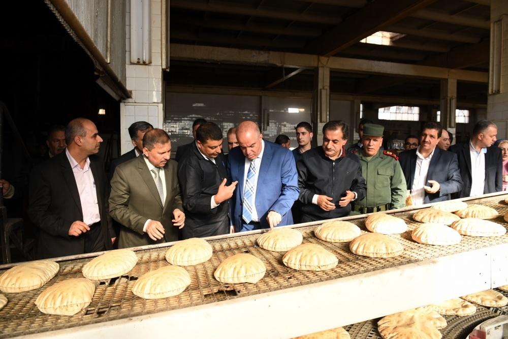 وزير التموين ينوي تصغير رغيف الخبز   اقتصاد مال و اعمال السوريين