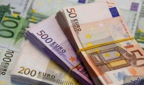 عالمياً: اليورو يقبع قرب أدنى مستوى في 10 أشهر مع تعمق أزمة إيطاليا   اقتصاد مال و اعمال السوريين